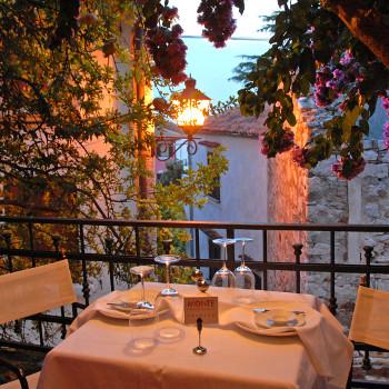 Monte Restaurant (Featured Image)
